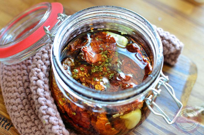 suszone-pomidory-w-oliwie